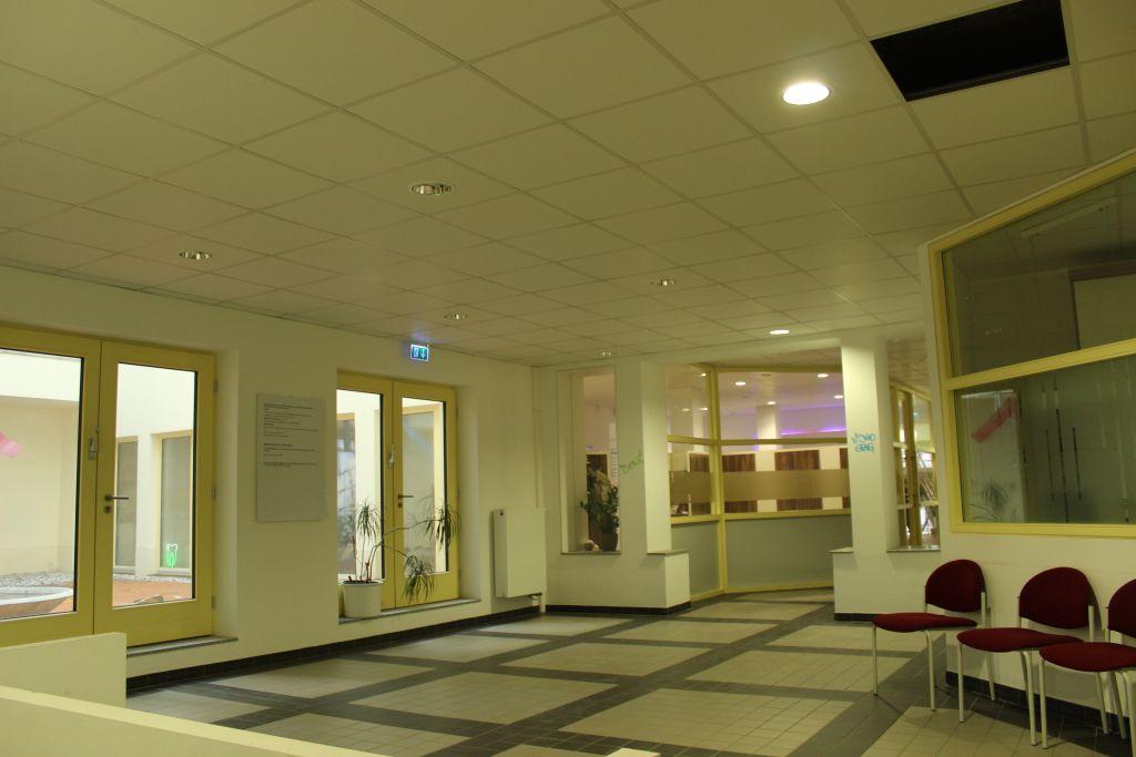 Gesundheitszentrum im Westbad Leipzig - Arztpraxis Wartebereich - Trockenbau